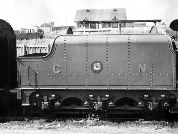 29/6/1957: One for the modellers, E Type tender No.45 with 204 'Antrim' at Bundoran. (D. Coakham)