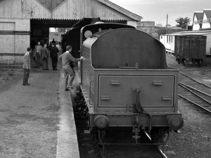 16/8/1958: The rear of E Type tender No.46 at Carrickmacross. No.202 was too long for the turntable there, hence is making the return journey tender-first. (D. Coakham)