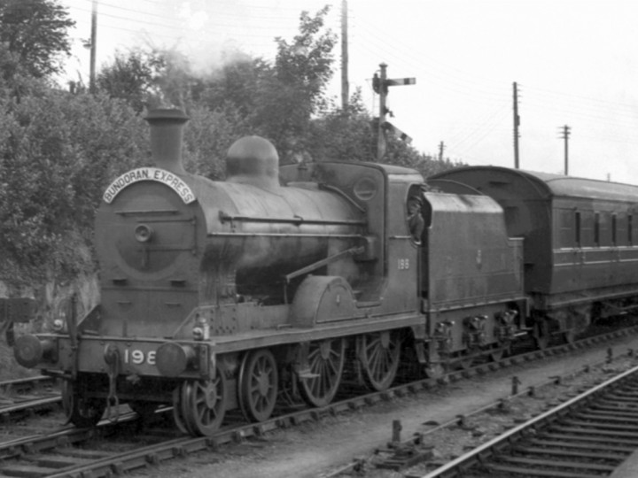 U class No.198 'Lough Swilly' departing Dundalk on a Down 'Bundoran Express'. (P. McKeown)