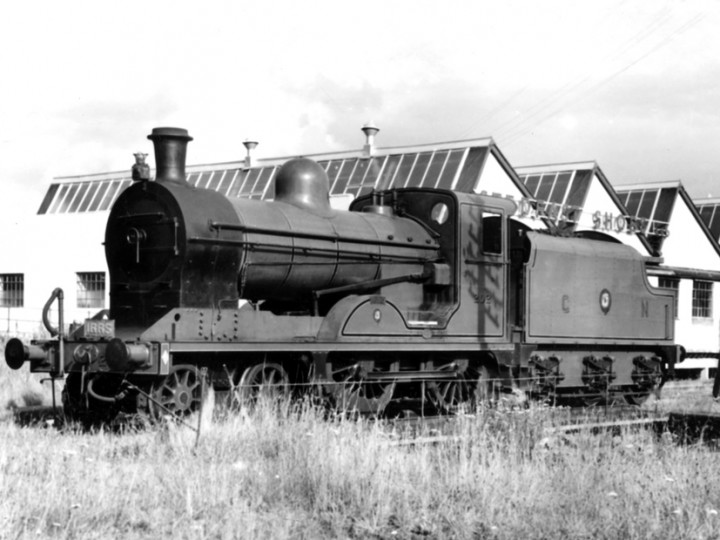 16/8/1958: U class No.202 'Louth' and the other Dundalk-underframed tender, No.46, at Carrickmacross with an IRRS special. (A. Donaldson)