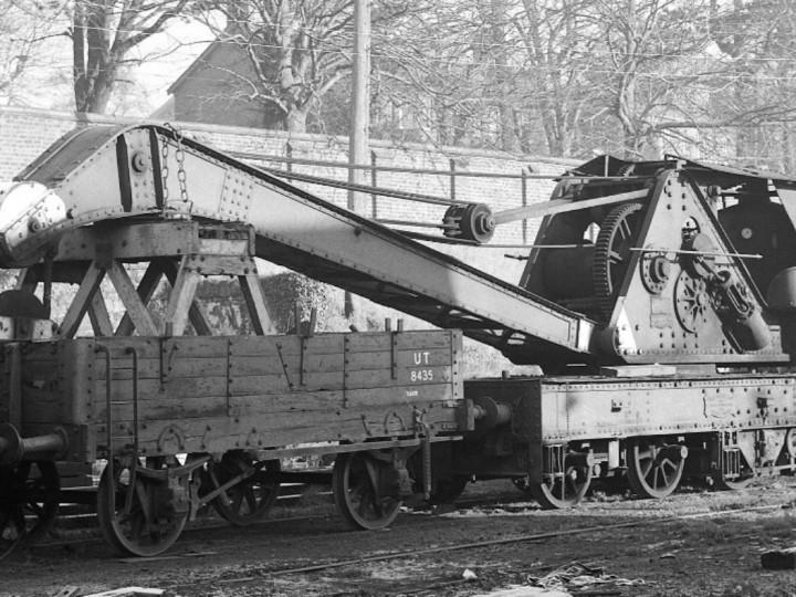 30/1/1978: GNR Steam Crane 8434 and wagon 8435 in Lisburn yard. (C.P. Friel)