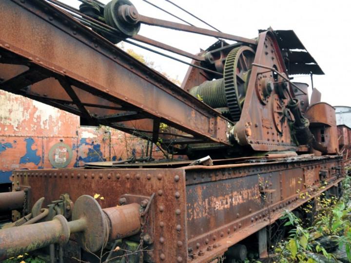7/11/2012: Steam Crane 2 in store. (C.P. Friel)