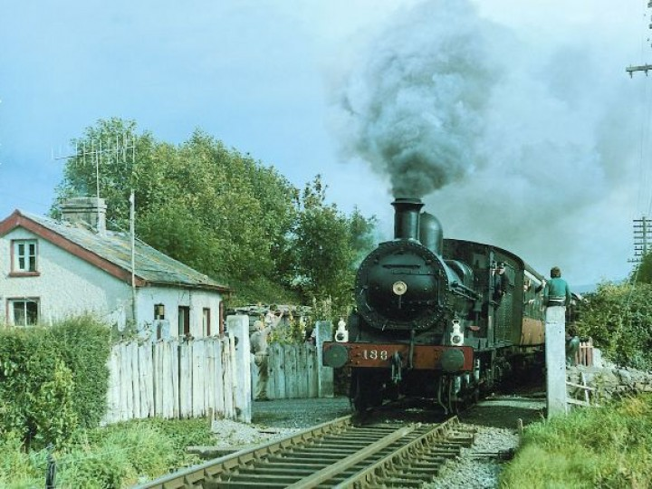 No.186 between Clonmel and Cahir on the way to Limerick Junction on 18th September 1974. (C.P.Friel)