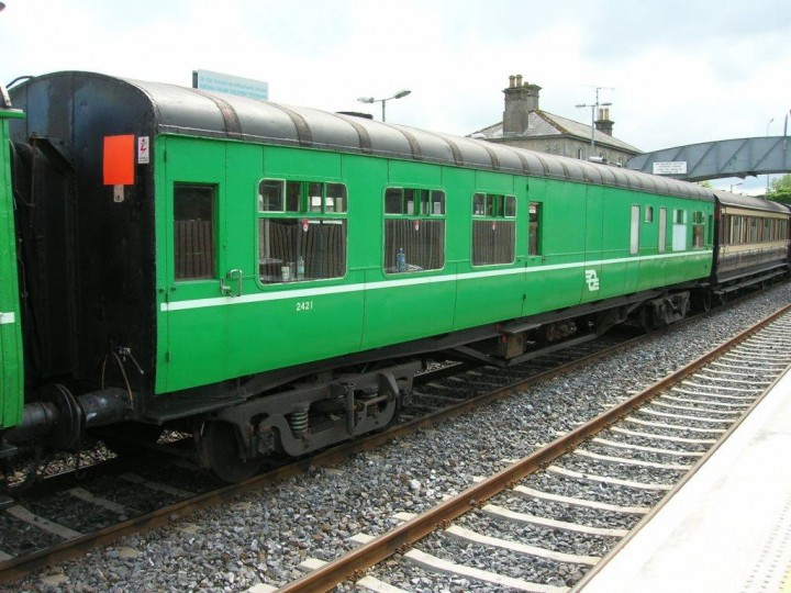 13/5/2007: 2421 at Dromod on the 'Garavogue' railtour to Sligo. (G.Owens)
