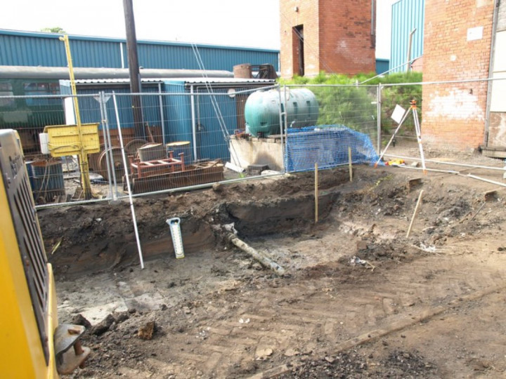 6/9/2013: The location of the pit in front of the locomotive shed. (D. Grimshaw)