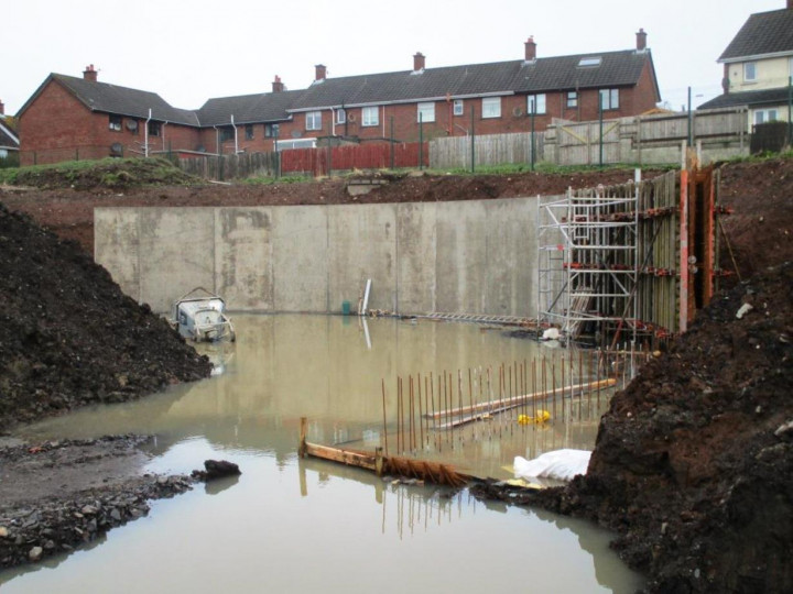 2/4/2016: The reinforced wall around the turntable pit taking shape. (P. McCann)