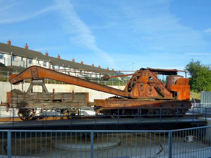 3/5/2017: The crane stored on the turntable at Whitehead. (R. Joanes)