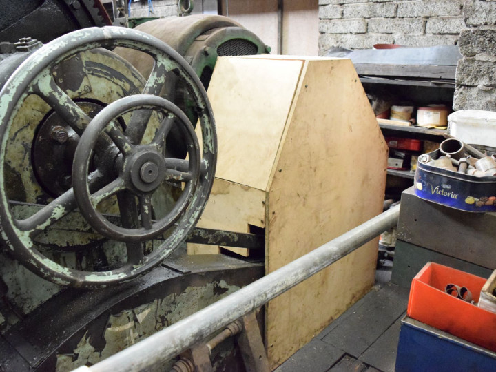 7/11/2020: New enclosure to reduce noise from the lathe gearbox. (R.B. Hill)