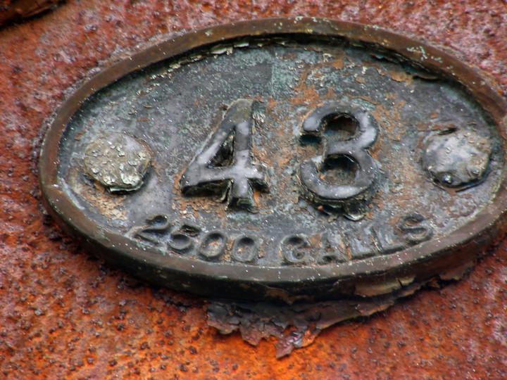9/5/2008: Plate on GNR(I) tender 43 at Mullingar. C.P. Friel)