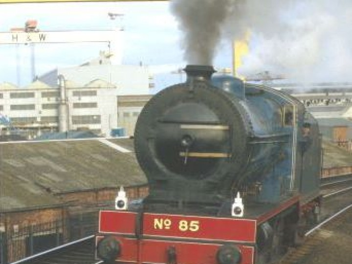 Before her 1994 overhaul No.85 ran with a VS class tender from No.207