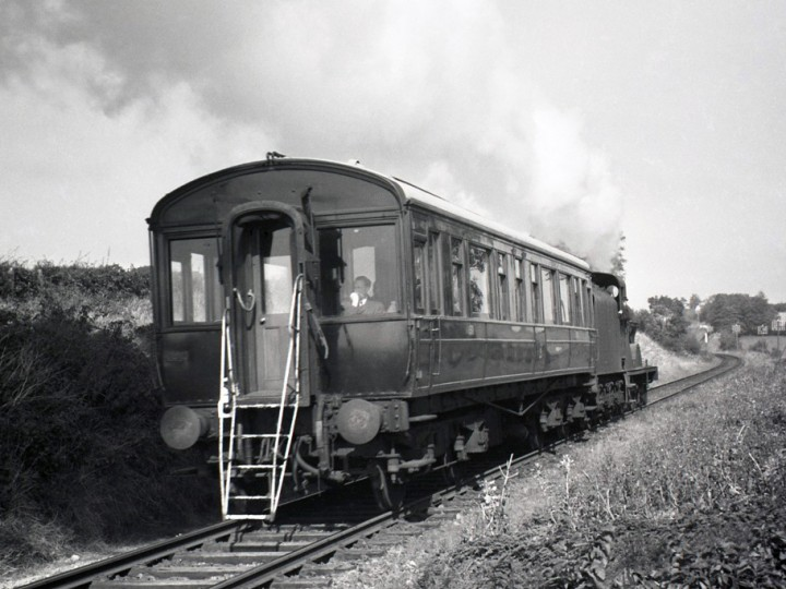 150, with the inspection ladder clearly shown, is hauled by locomotive No.67 from Newry and is approaching Goraghwood, probably in the early 1960s. (I.C.Pryce)