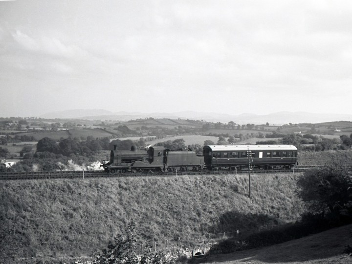 Locomotive No.67 and 150 returning to Goraghwood from the Border, early 1960s. (I.C.Pryce)