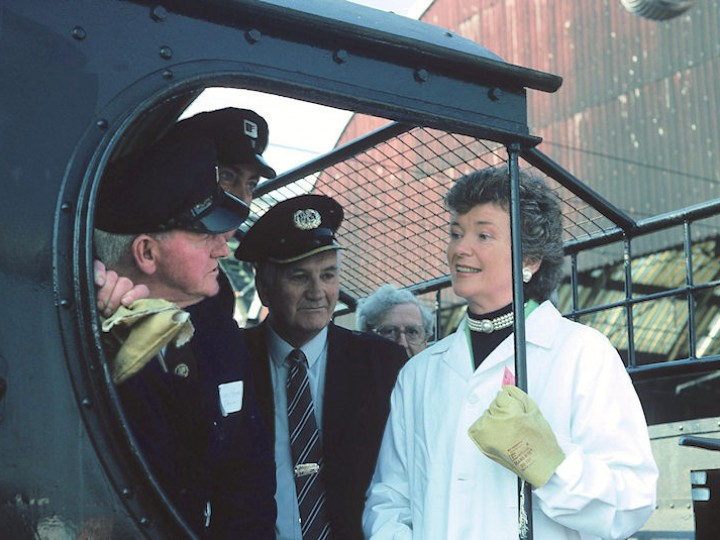 16/4/1991: No.461 and her footplate crew are introduced to President Mary Robinson at Dublin's Pearse station on the occasion of the locomotive's official launch. (C.P. Friel)