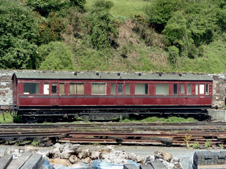 9/5/1998: 837 still in Departmental use at Waterford, pictured from the passing 'Gall Tir' railtour train. (R. Joanes)